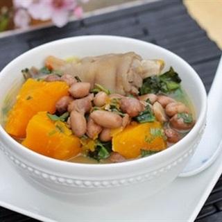 Cách làm Móng Giò Hầm Đậu Phộng Và Bí Đỏ cực bổ dưỡng