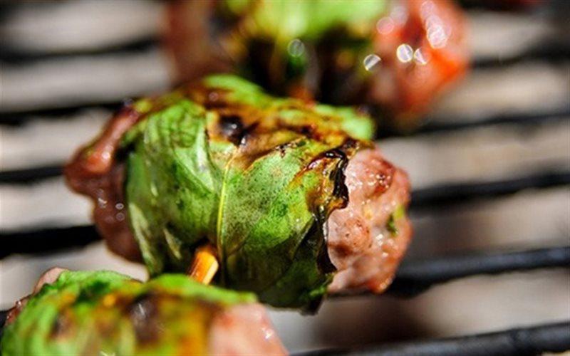 Cách Làm Húng Quế Cuộn Thịt Kiểu Thái Cho Bữa Tiệc