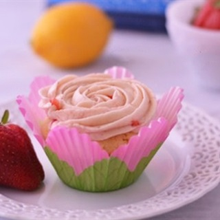 Cách làm cupcake dâu tây chanh