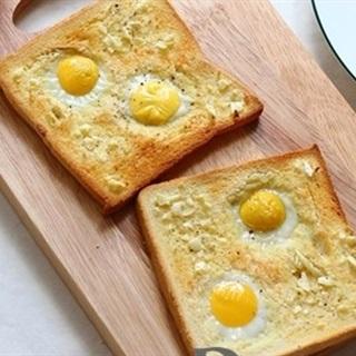 Cách Làm Bánh Mì Sandwich Trứng Cút Cho Bữa Sáng