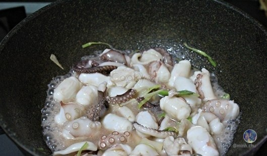bạch tuộc xào