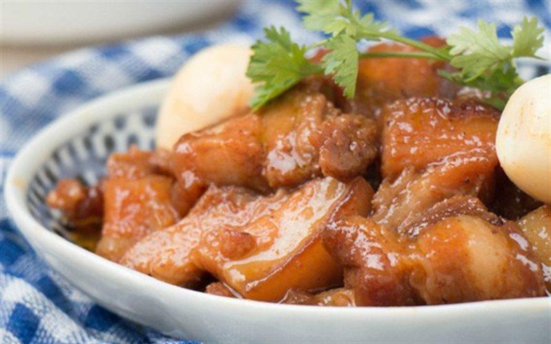 Cách Làm Thịt Heo Kho Trứng Cút Thơm Ngon Đơn Giản