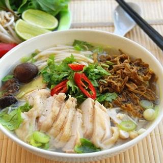 Cách nấu Bún Măng Gà tại nhà với nước dùng ngọt béo ngậy