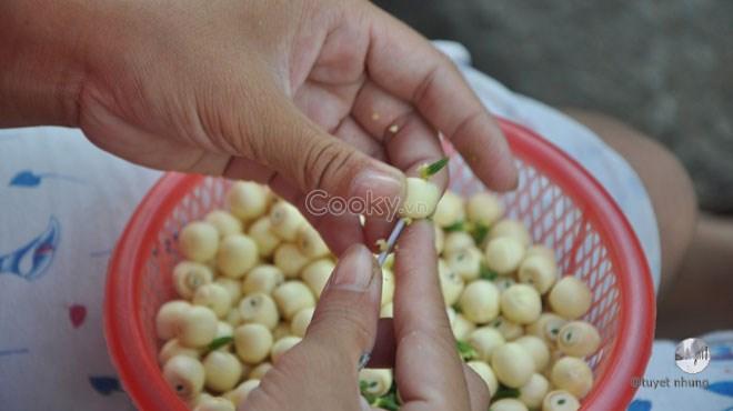 cách nấu chè nhãn hạt sen
