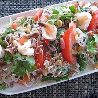 Cách làm Miến Trộn Kiểu Salad Thái chua cay, ngon chuẩn vị