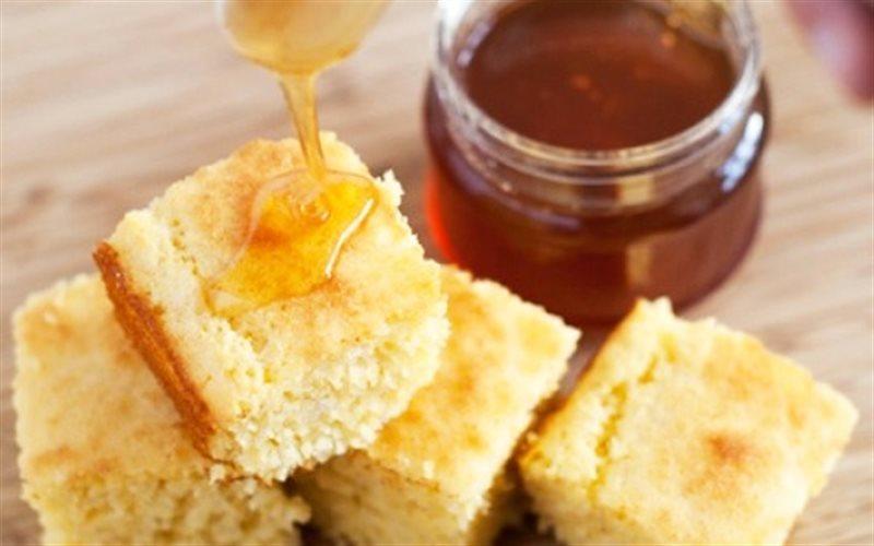 Cách Làm Bánh Mì Bắp Phết Mật Ong Cho Bữa Sáng