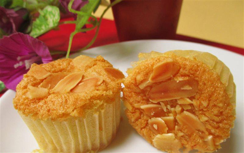 Cách Làm Cupcake Hạnh Nhân Vani Thơm Ngon Hấp Dẫn