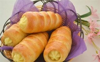 Bánh mì ốc quế nhân kem trứng