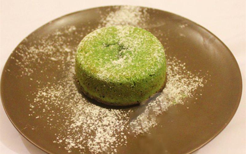 Cách làm Bánh núi lửa trà xanh - Molten Lave Cake