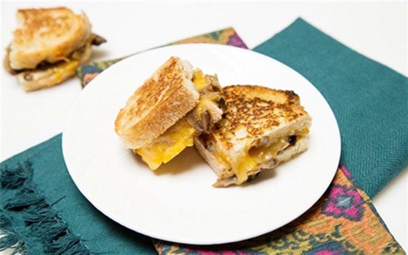 Cách Làm Bánh Mì Sandwich Kẹp Nấm Cho Bữa Sáng