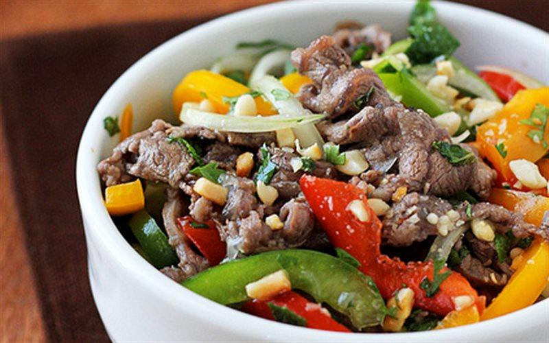 Cách làm gỏi thịt bò ớt chuông