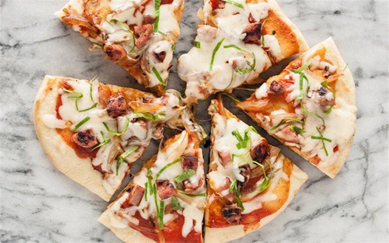 Cách làm Pizza Không Cần Lò Nướng giòn thơm, hấp dẫn