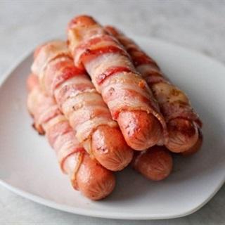 Cách Làm Thịt Xông Khói Cuộn Xúc Xích Chiên Ngon