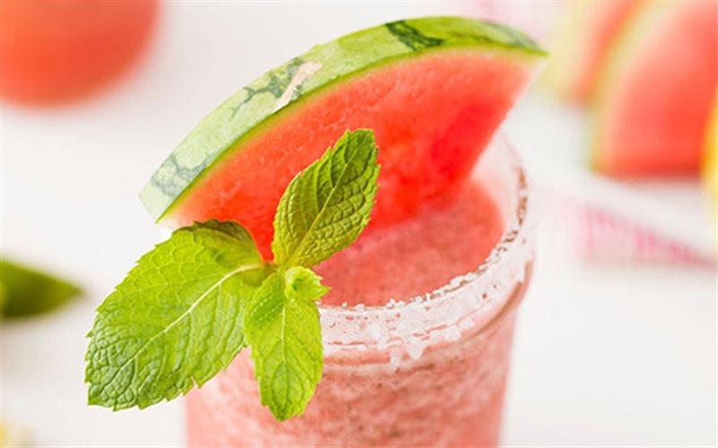 Cách Làm Cocktail Dưa Hấu Hấp Dẫn Mát Lạnh Mùa Hè