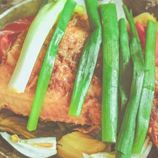 Cách làm cá diêu hồng om dưa cải chua