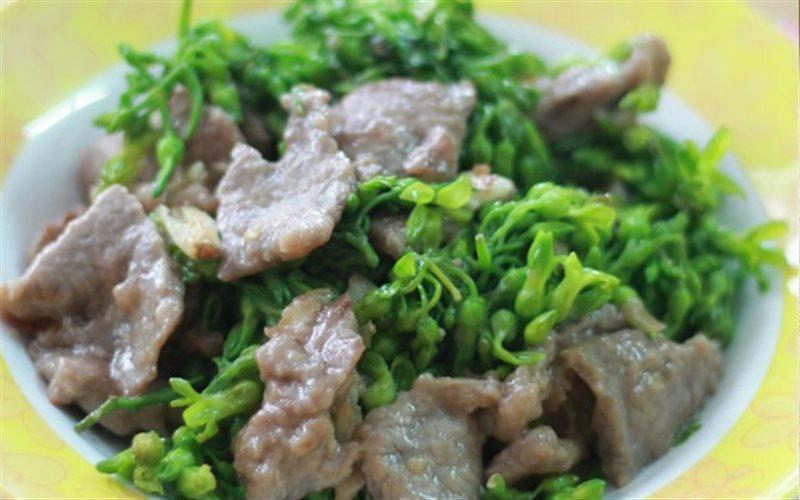 Cách làm Thịt Bò Xào Hoa Thiên Ly mềm thơm hấp dẫn tại nhà