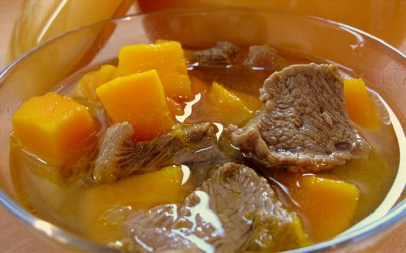 Cách Làm Canh Thịt Bò Bí Đỏ Đổi Vị Cho Bữa Cơm Nhà