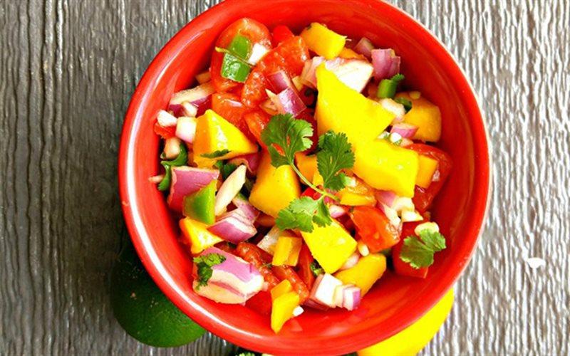 Cách Làm Salad Cà Chua Thơm Xoài Ngon Miệng Ở Nhà