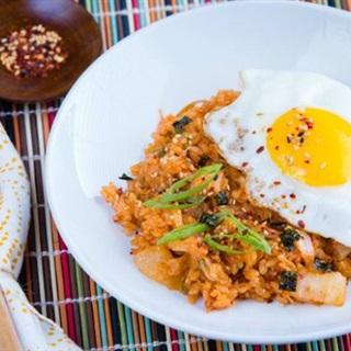 Cách Làm Cơm Rang Kim Chi Chua Cay Ngon Miệng