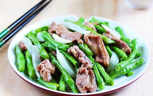 Hình thực hiện - Công thức Cách Làm Đậu Đũa Xào Thịt Nhanh Gọn Mà Cực Ngon    Cooky.vn