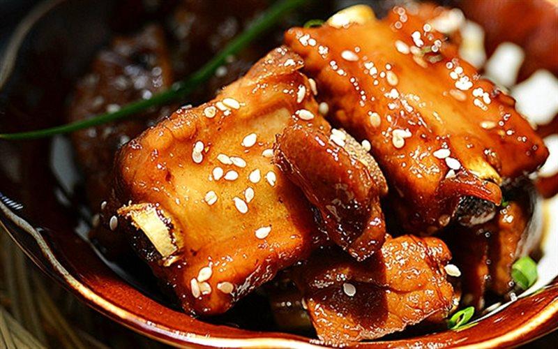 Cách Làm Sườn Heo Rim Chua Ngọt Cho Bữa Cơm Ngon