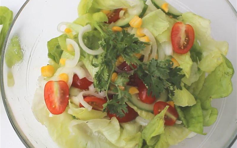 Cách làm Salad Trộn Dầu Giấm chua ngọt, cho nàng ăn kiêng