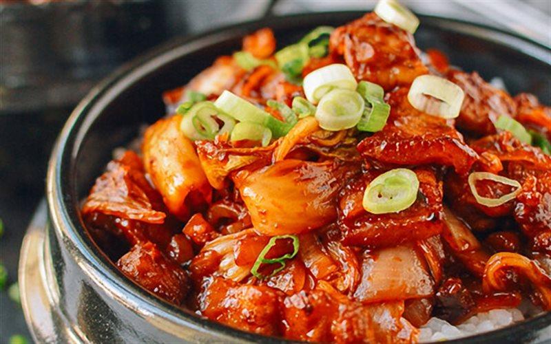 Cách Làm Thịt Heo Ba Chỉ Xào Kim Chi Cực Bắt Cơm