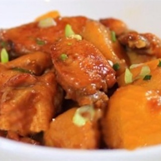 Cách làm Cánh Gà Kho Khoai Tây đơn giản cho bữa cơm