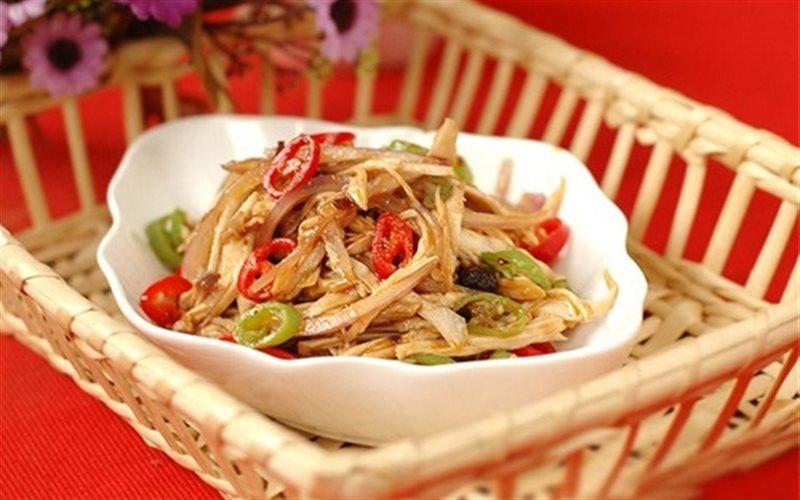 Cách làm Salad Gà Trộn Cay ngon miệng làm ấm người ngày mưa