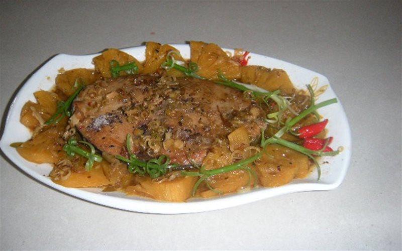 Cách làm Cá Ngừ Kho Thơm nước dừa cho bữa cơm gia đình