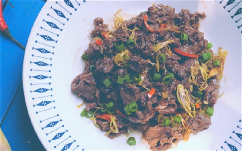 Cách làm Bò Xào Sả Ớt thơm ngon cho bữa cơm gia đình
