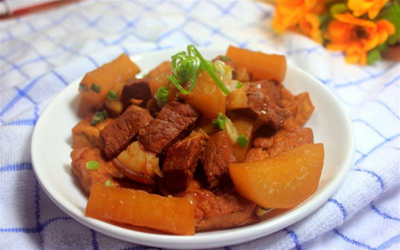 Cách làm Thịt Kho Củ Cải Đậu Hũ đậm vị hao cơm cho cả nhà