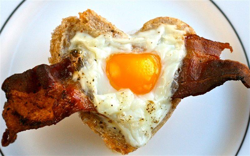 Cách làm Bánh Mì Trứng Thịt thơm ngon đơn giản cho bữa sáng