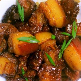 Cách làm món thịt kho nấm và coca