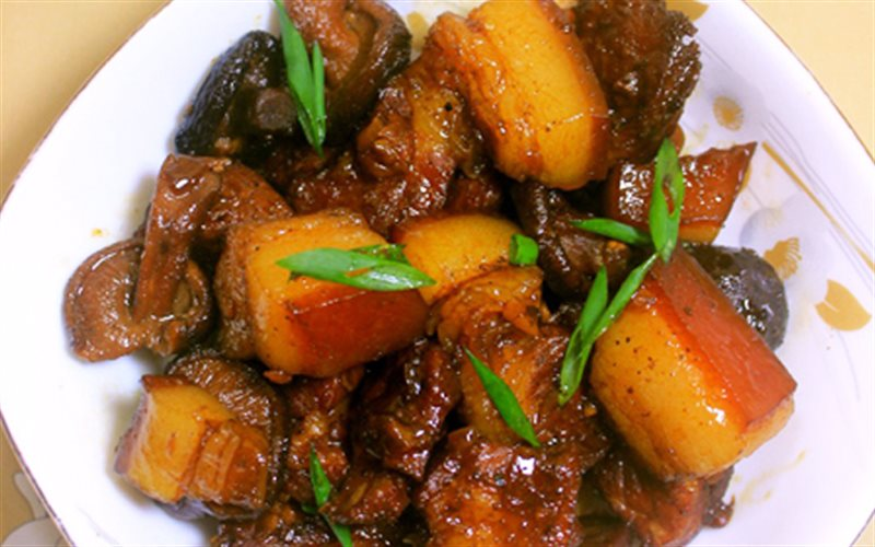 Cách Làm Món Thịt Kho Nấm Và Coca Đậm Đà Ngon Cơm