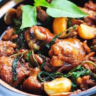 Cách Làm Thịt Gà Kho Nước Tương Đậm Đà Bữa Cơm