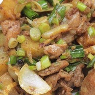 Cách làm thịt gà xào khoai tây chiên