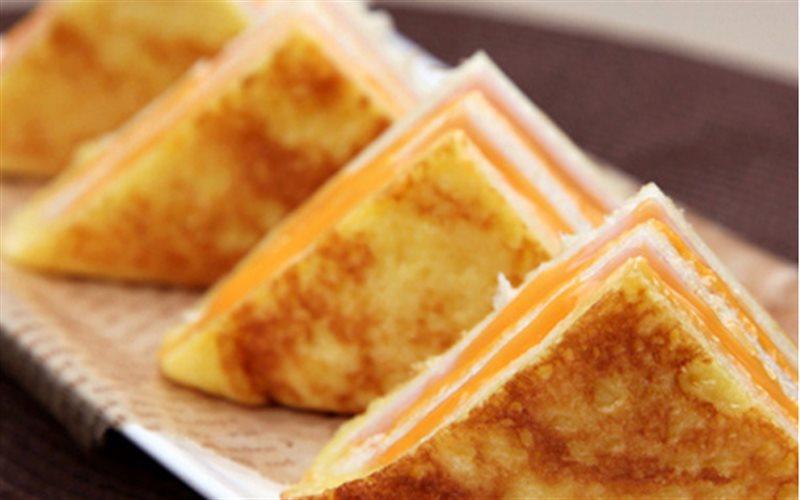 Cách Làm Bánh Mì Kẹp 3 Tầng Ăn Sáng Cực Chắc Bụng