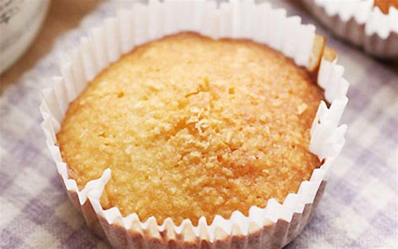 Cách Làm Bánh Cupcake Nho Khô Nướng Nở Mềm Xốp