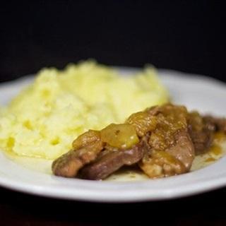 Cách Làm Thịt Vịt Hầm Táo Đơn Giản Cực Thơm Ngon