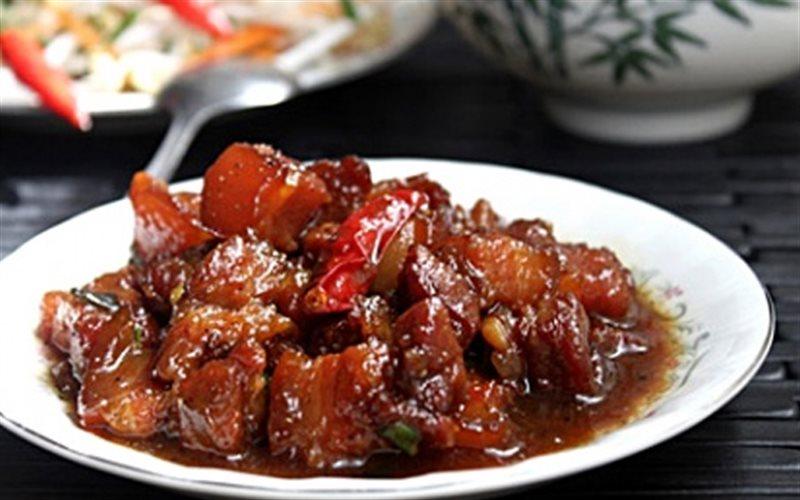 Cách làm Thịt Kho Mắm Ruốc sả ớt đơn giản ngay tại nhà