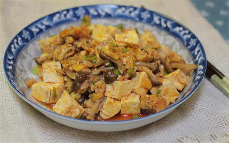 Cách Làm Đậu Hũ Sốt Chua Cay Cực Ngon Cho Bữa Cơm