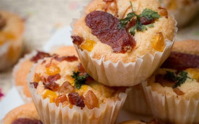 Cách Làm Bánh Bông Lan Lạp Xưởng Cho Bữa Sáng