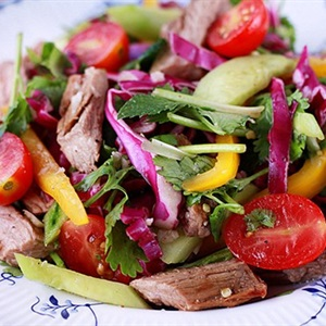 Salad bò áp chảo