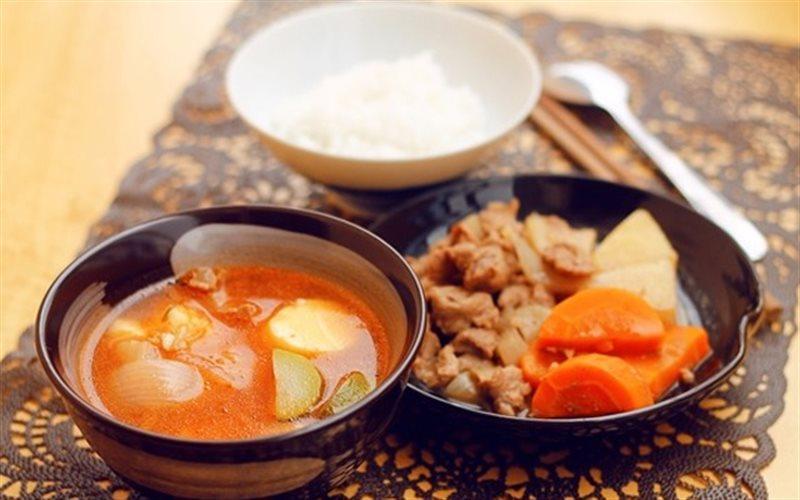 Cách Làm Combo Bò Hầm Và Canh Kim Chi Ngon Miệng