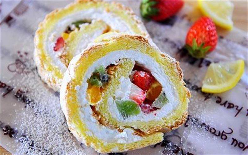 Cách Làm Bánh Phô Mai Cuộn Trái Cây Ngon Miệng