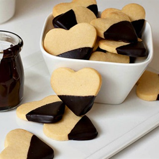 Cách làm bánh quy bơ hình trái tim