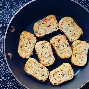 Trứng cuộn cà rốt