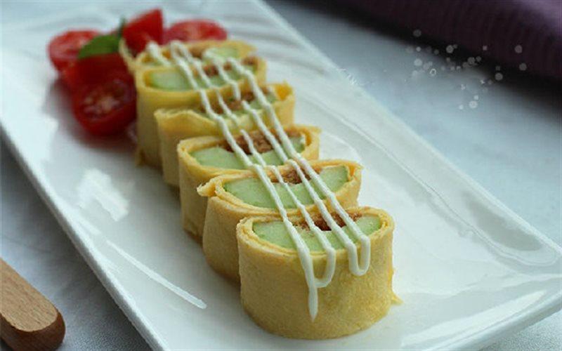 Cách làm salad trứng cuộn dưa leo