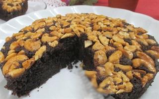Bánh socola phủ hạt điều